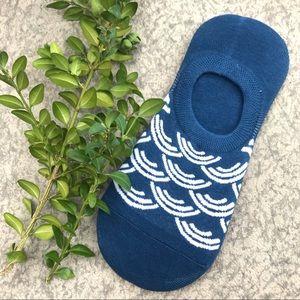 Geometric wave blue sock